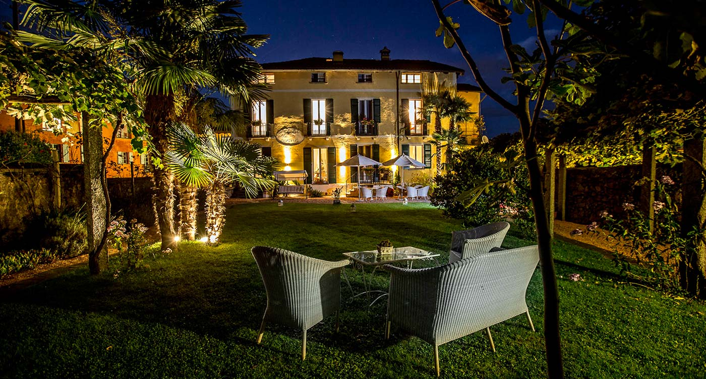 Hotel Villa Carona by Night
